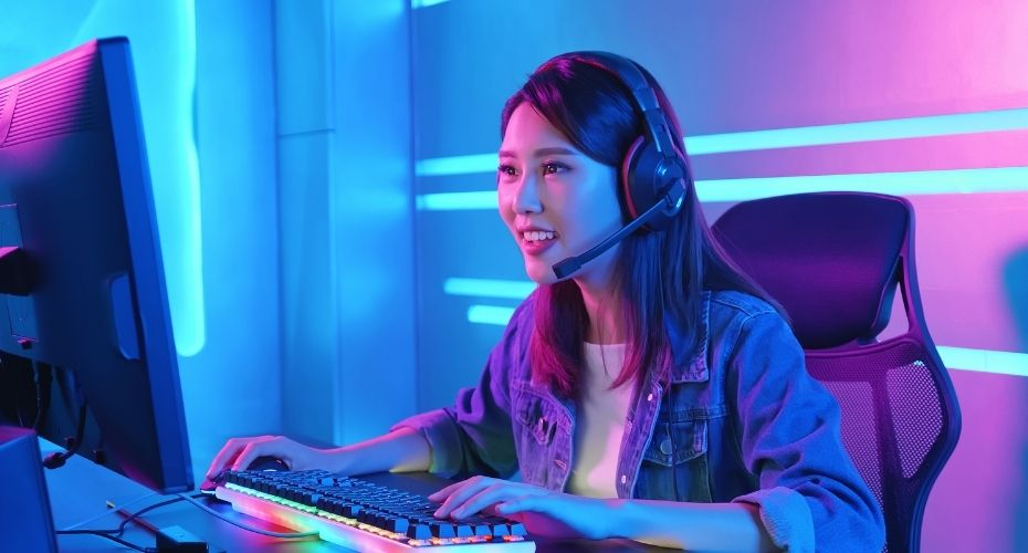 Online hack to make money video game streaming